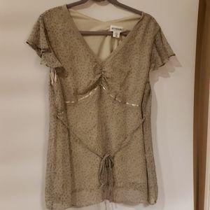 4/$25 Motherhood Maternity XL Green Floral blouse